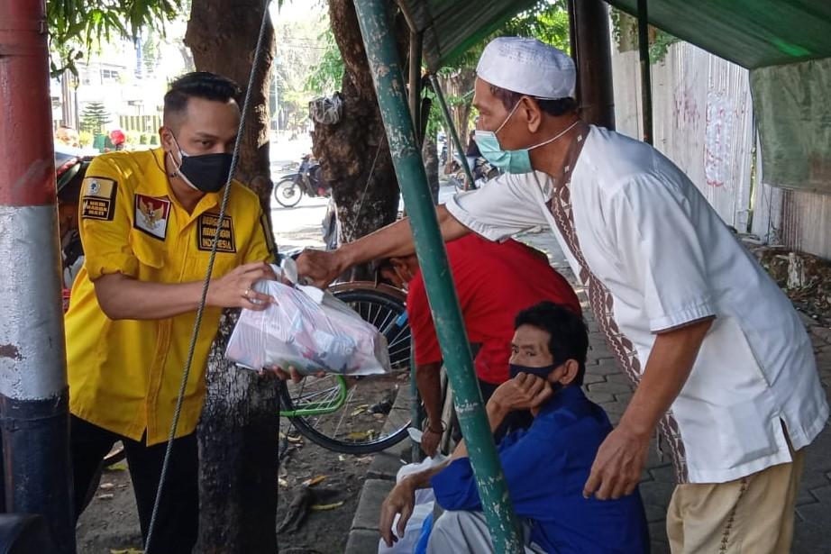 Golkar Kendal Bagikan 3.000 Paket Sembako Untuk Masyarakat Terdampak COVID-19