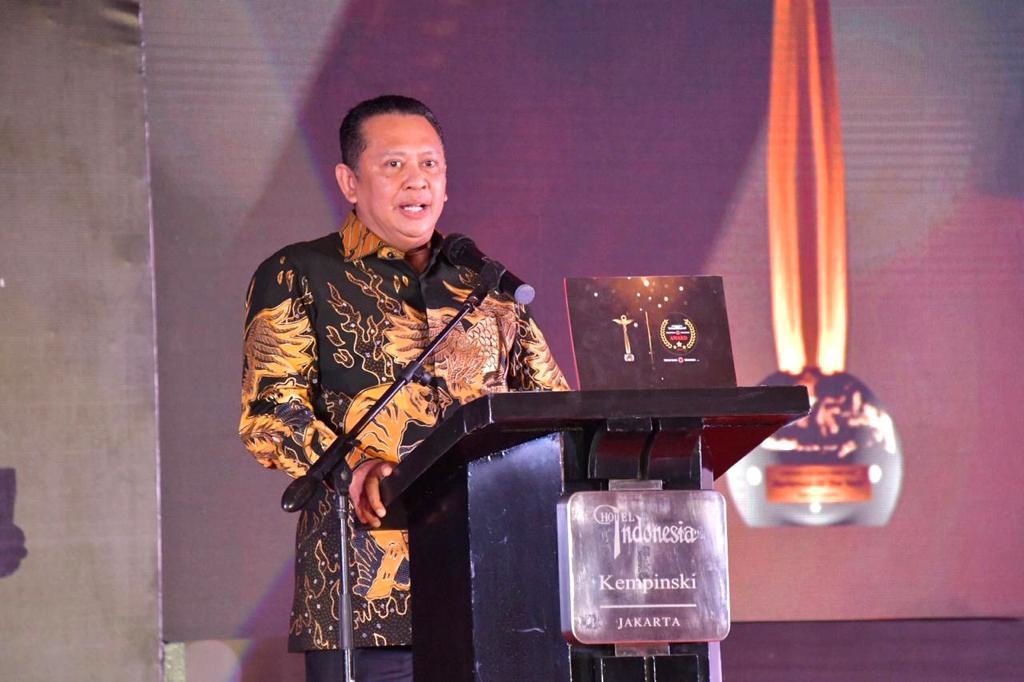 Bamsoet Raih Lagi Penghargaan Parliament Of The Year 2020