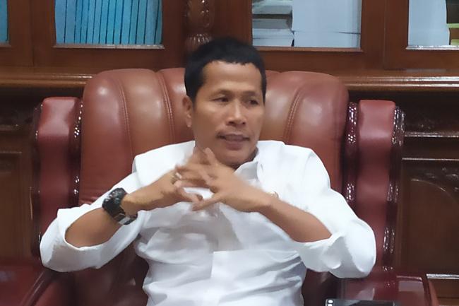 Mundur Dari Ketua DPRD Riau, Indra Gunawan Eet Bocorkan Inisial Dua Calon Penggantinya
