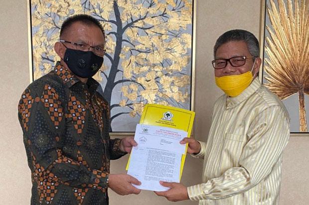 Kantongi SK Kepengurusan Baru, Taufan Pawe Ajak Seluruh Kader Golkar Sulsel Menangkan Pilkada 2020