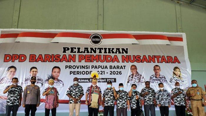 Wasekjen DPP Golkar Yang Juga Bupati Maybrat, Bernard Sagrim Dilantik Jadi Ketua Bapera Papua Barat