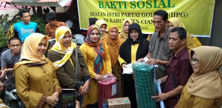 Cut Emma Mutya Bawa IIPG Baksos Untuk Korban Banjir di Pataruman