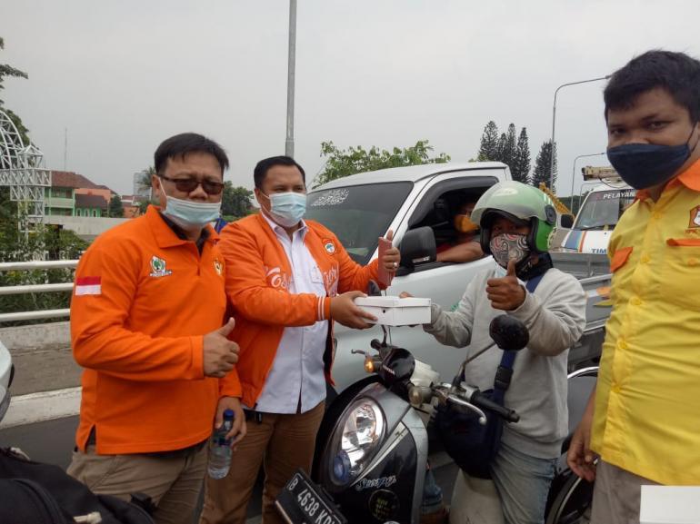 Ada 1.087 Kasus COVID-19 Di Kota Bekasi, HPK 1957 Bagikan Puluhan Ribu Masker Untuk Masyarakat