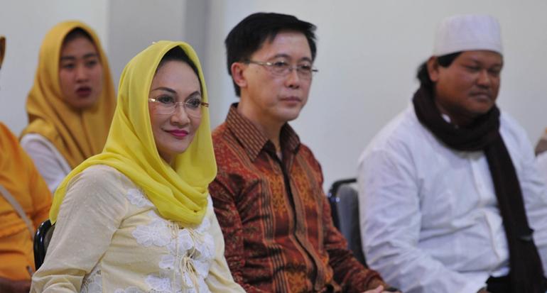 Gandeng BKKBN Jawa Barat, Dewi Asmara Sosialisasi Keluarga Berencana Pada Warga Sukabumi
