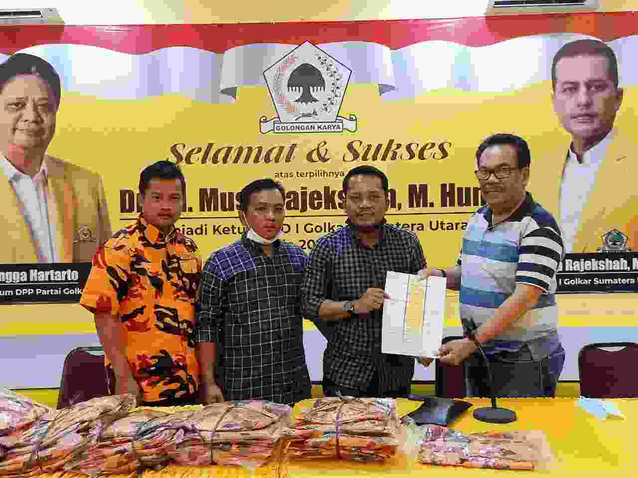 Lukman Padang Dipercaya Pimpin Ormas MKGR Pakpak Bharat