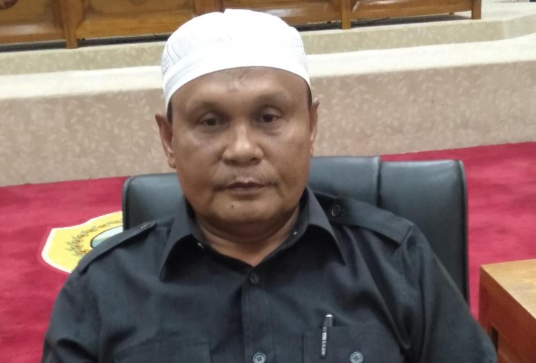 Sakir Ahmad Pimpin Golkar Halmahera Tengah Bagikan Masker dan Sembako Gratis Untuk Masyarakat