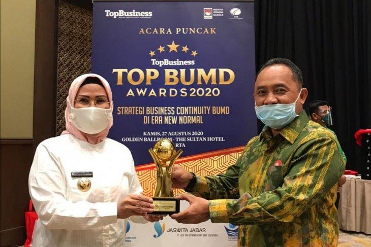 Bupati Serang, Ratu Tatu Chasanah Raih Penghargaan Top Pembina BUMD Kedua Kalinya