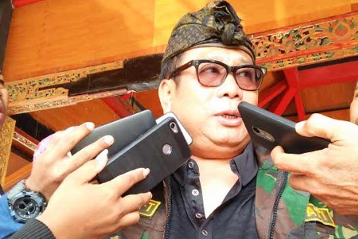 Suhaili FT dan Ahyar Abduh Dirayu Masuk Wanhat Golkar NTB