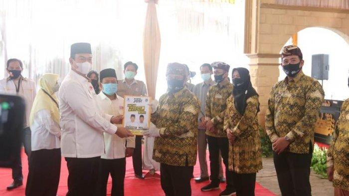 Diawali Sungkem dan Doa Bersama, Rycko Menoza-Johan Sulaiman Daftar ke KPU Bandarlampung