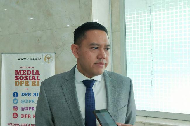 Pelibatan Personil TNI di Tengah Pandemi Corona, Dave Laksono Sebut Bukan Darurat Militer