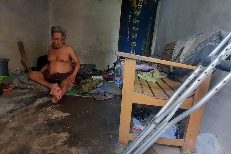 Dedi Mulyadi Santuni Abah Yana, Kakek Yang Ditelantarkan Anak dan Tinggal di Rumah Kosong