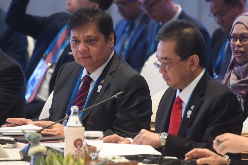 Sedikit Bicara Banyak Bekerja, Ronny Dimara Puji Kinerja Ketum Golkar di Kabinet Indonesia Maju