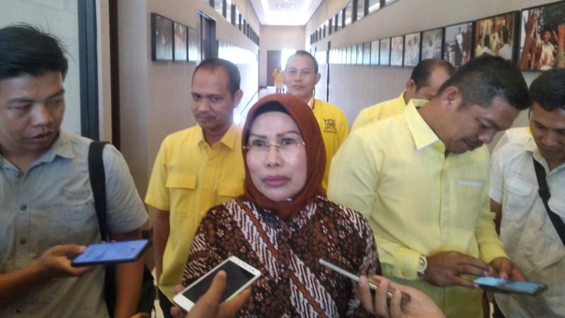Ratu Tatu Chasanah Apresiasi Mahasiswa FK UI Bantu Tim Medis RSDP Serang