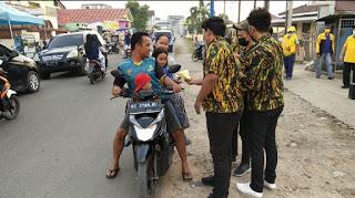 AMPG Lampung Selatan Bagikan 1000 Paket Takjil Untuk Masyarakat Sidomulyo