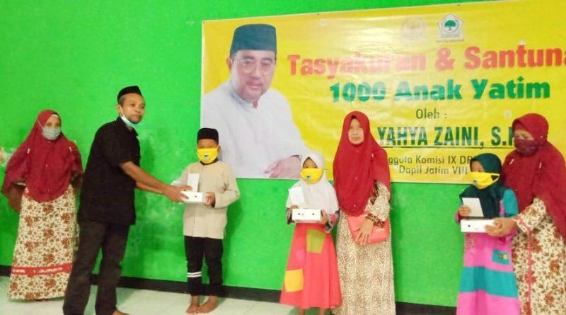 Yahya Zaini Santuni Ratusan Anak Yatim di SDI Khadijah Muslimat NU Nganjuk