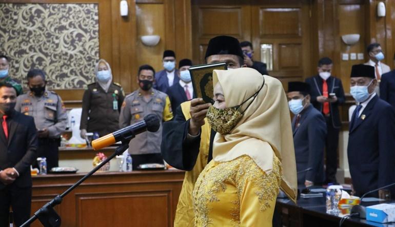 PAW Nasrul Ulum, Ratu Julmihayati Resmi Dilantik Jadi Anggota DPRD Kabupaten Serang