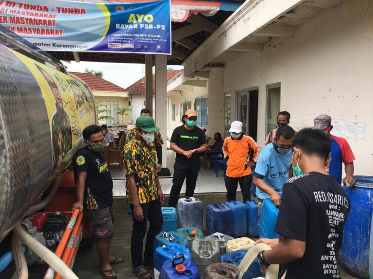 AMPG Karanganyar Kirim Ribuan Paket Sembako, Masker dan Hand Sanitizer Untuk Warga Kebakramat