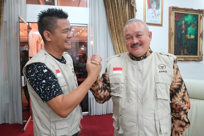 Alex Noerdin Salurkan Ventilator Untuk RSUD Kayu Agung OKI dan RS AK Gani Palembang