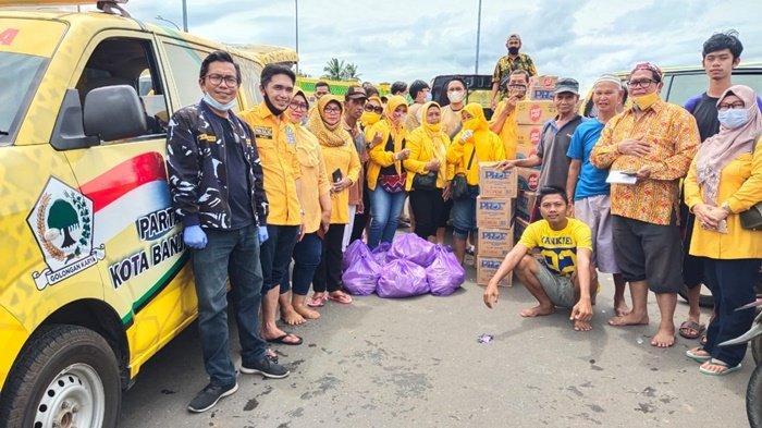 Peduli Korban Banjir, Golkar Kota Banjarmasin Salurkan Bantuan ke Masyarakat Murung Raya