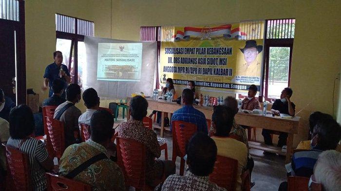 Adrianus Asia Sidot Ajak Warga Desa Embaong Sanggau Rawat Toleransi dan Kebhinekaan