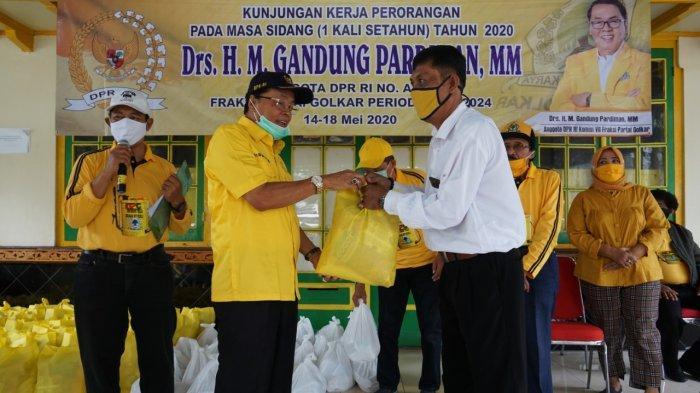 Dua Bulan Tak Jualan, PKL Malioboro Bahagia Dapat Bantuan Sembako Dari Gandung Pardiman
