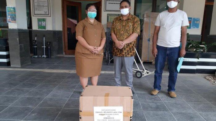 Melki Laka Lena Bantu APD Untuk Tenaga Medis di Manggarai Barat