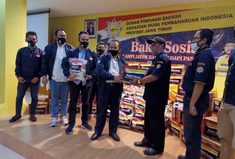 AMPI Jawa Timur Serahkan Bantuan Sembako ke Panti Asuhan dan Panti Jompo di Surabaya Raya