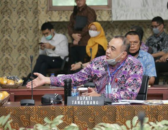 Dukung Aspirasi Buruh Tangerang, Bupati Ahmed Zaki Surati Jokowi Minta Revisi UU Cipta Kerja