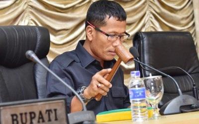 Indra Gunawan Eet Bantah Terima Uang Ketuk Palu APBD Bengkalis