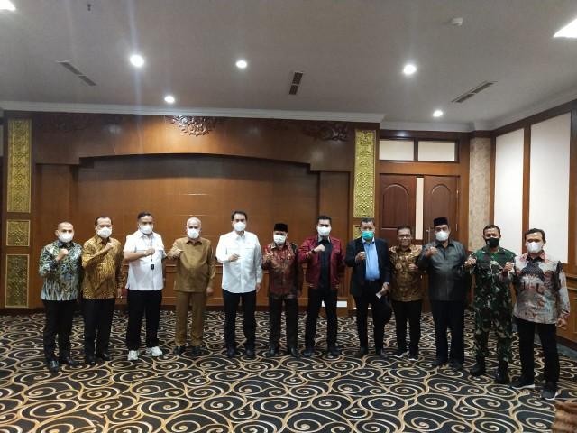 Pantau Penggunaan Dana Otsus Aceh, Azis Syamsuddin Minta IPM Meningkat dan UMKM Berkembang