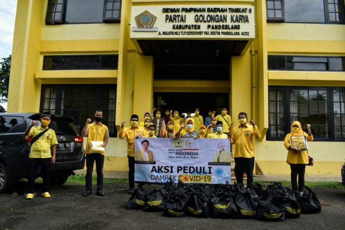 Adde Rosi Salurkan 2500 Paket Sembako Bagi Kader Posyandu dan Majelis Taklim di Lebak dan Pandeglang