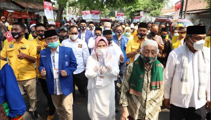 Ratusan Pendekar Banten Kawal Ratu Tatu Chasanah-Pandji Tirtayasa Daftar ke KPU Serang