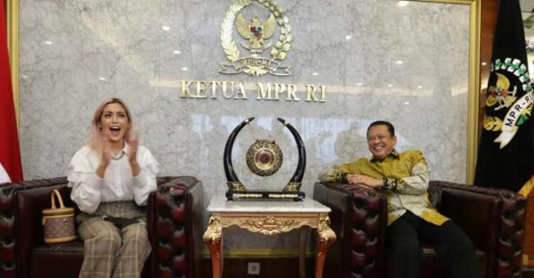 Sosialisasikan Empat Pilar MPR Lewat Youtube, Bamsoet Gandeng Raffi Ahmad dan Jessica Iskandar