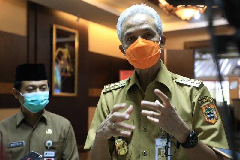 Renggang Dengan PDIP, Ganjar Pranowo Disarankan Mualaf Masuk Golkar Demi Pilpres 2024