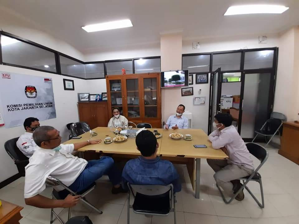 Sambangi Kantor KPUD, Inez Yuanna Pimpin Golkar Jaksel Silaturahmi dan Perkenalkan Pengurus Baru