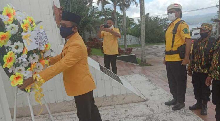HUT Ke-56, Ramly Umasugi Pimpin Kader Golkar Maluku Ziarah Ke Taman Makam Pahlawan Kapahaha