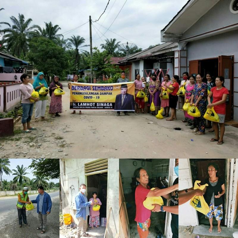 Lamhot Sinaga Kirimkan Relawannya Bagikan Sembako Door To Door Bagi Warga Rantauprapat