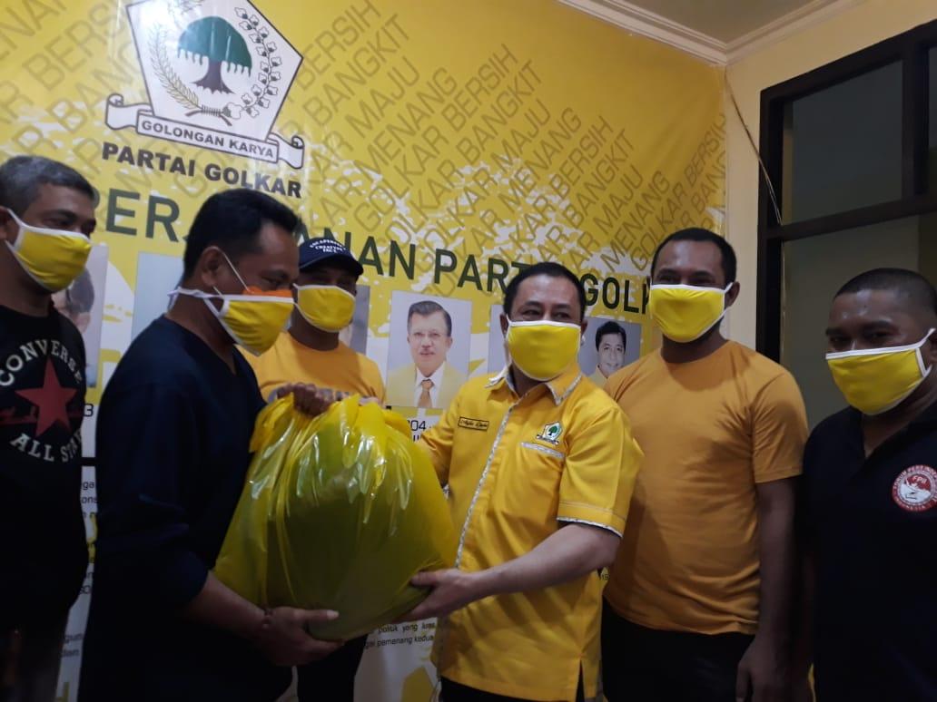 Golkar Maluku Utara Salurkan Ratusan APD Untuk Tenaga Medis RSUD Chasan Boesorie Ternate
