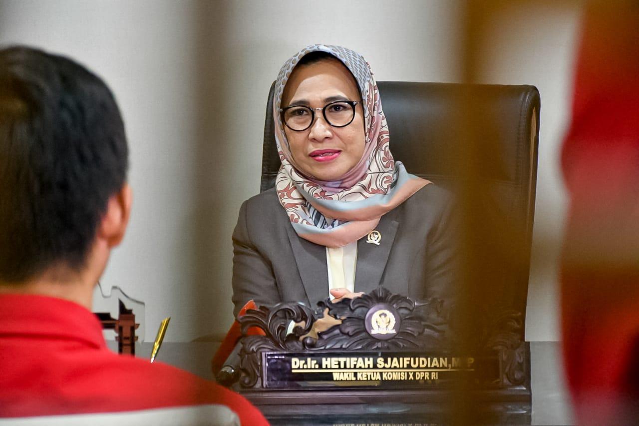 UN Lima Provinsi Ditunda, Hetifah Minta Pelajar Tetap Semangat Persiapkan Diri