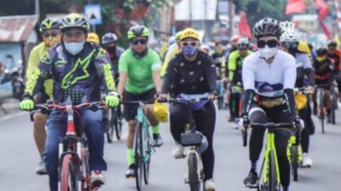 Tetty Paruntu Pilih Gowes Untuk Turun Langsung Dekatkan Diri Dengan Konstituen Sulut