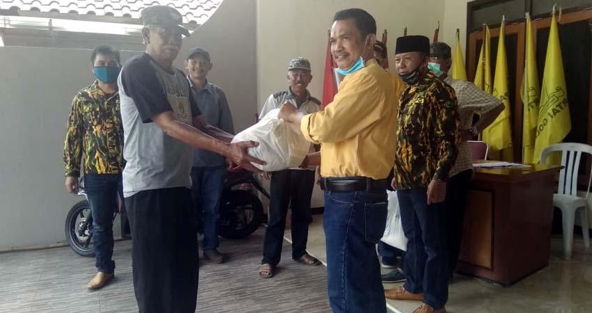 Golkar Kota Batu Distribusikan 1000 Paket Sembako Bagi Warga Terdampak COVID-19