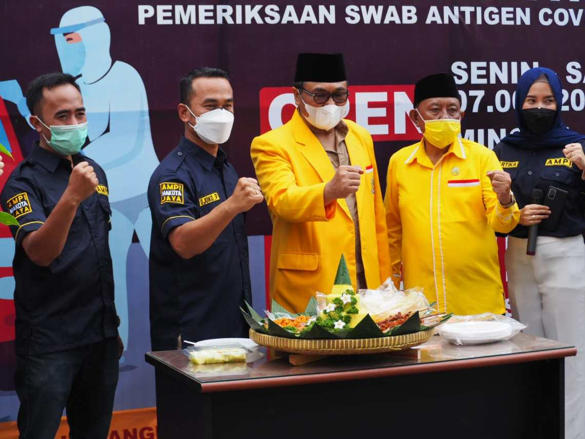 Diresmikan Ketua Sofyan Edi Jarwoko, AMPI Hadirkan Drive Thru Swab Di Kantor Golkar Kota Malang