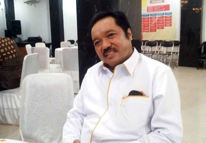 Idris Laena Bagikan 3.000 Paket Sembako Bagi Warga Pelalawan, Inhu dan Inhil Terdampak PPKM