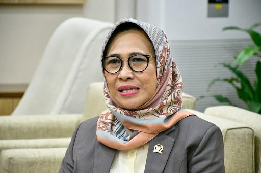 Hetifah Dukung Upaya Gubernur Kaltim Isran Noor Afirmasi Guru Honorer Senior Jadi PPPK