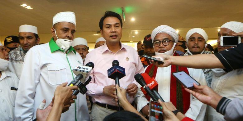 Temui Massa Anti Komunis, Azis Syamsuddin Janji Bakal Hentikan Pembahasan RUU HIP