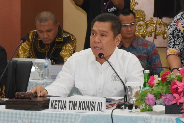 Adies Kadir Dukung Polda Jatim Sita Belasan Mobil Mewah Yang Tunggak Pajak