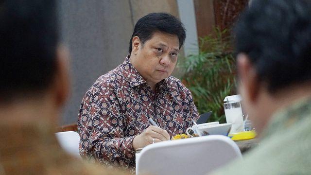Airlangga Buka Lowongan Kerja Untuk Sarjana di Kemenko Perekonomian, Minat?