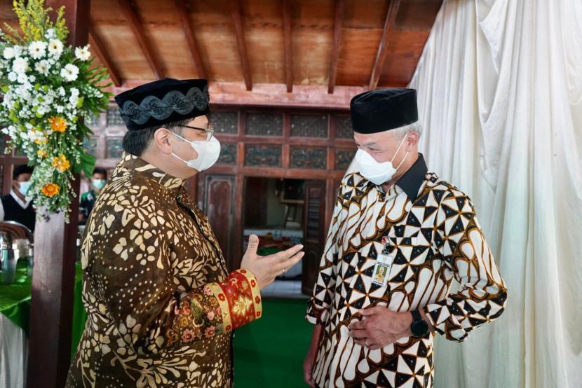 Dipasangkan Dengan Ganjar di Pilpres 2024, Airlangga Tersenyum Nurul Arifin No Comment