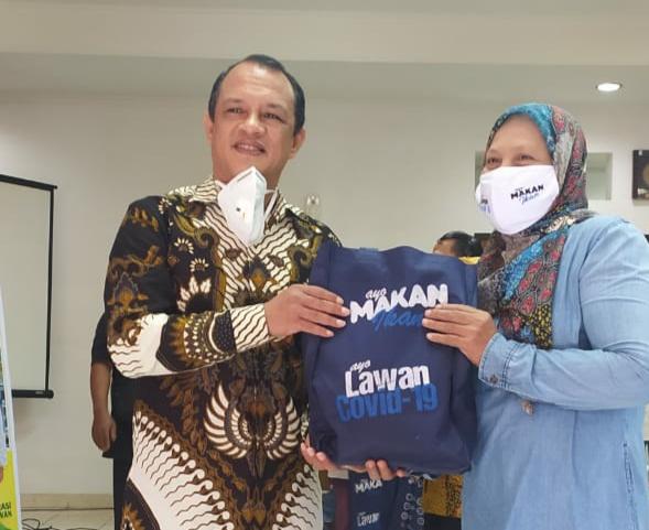 Cegah Stunting, Budhy Setiawan Bagikan 600 Paket Olahan Ikan Bagi Warga Kabupaten Cianjur