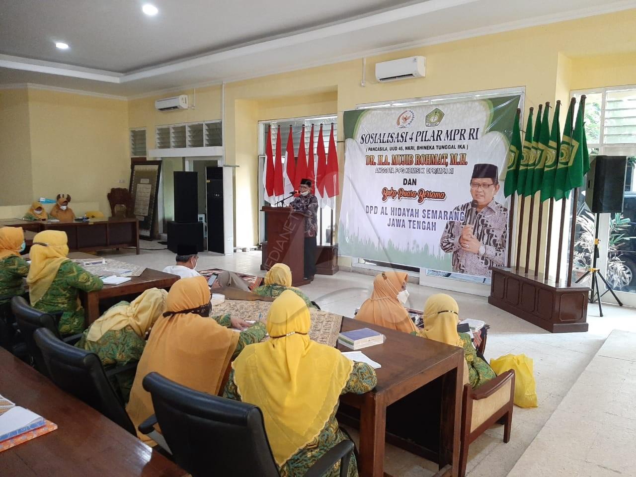 Mujib Rohmat Gandeng Emak-Emak Pengajian Al-Hidayah Jateng Sosialisasikan Pancasila